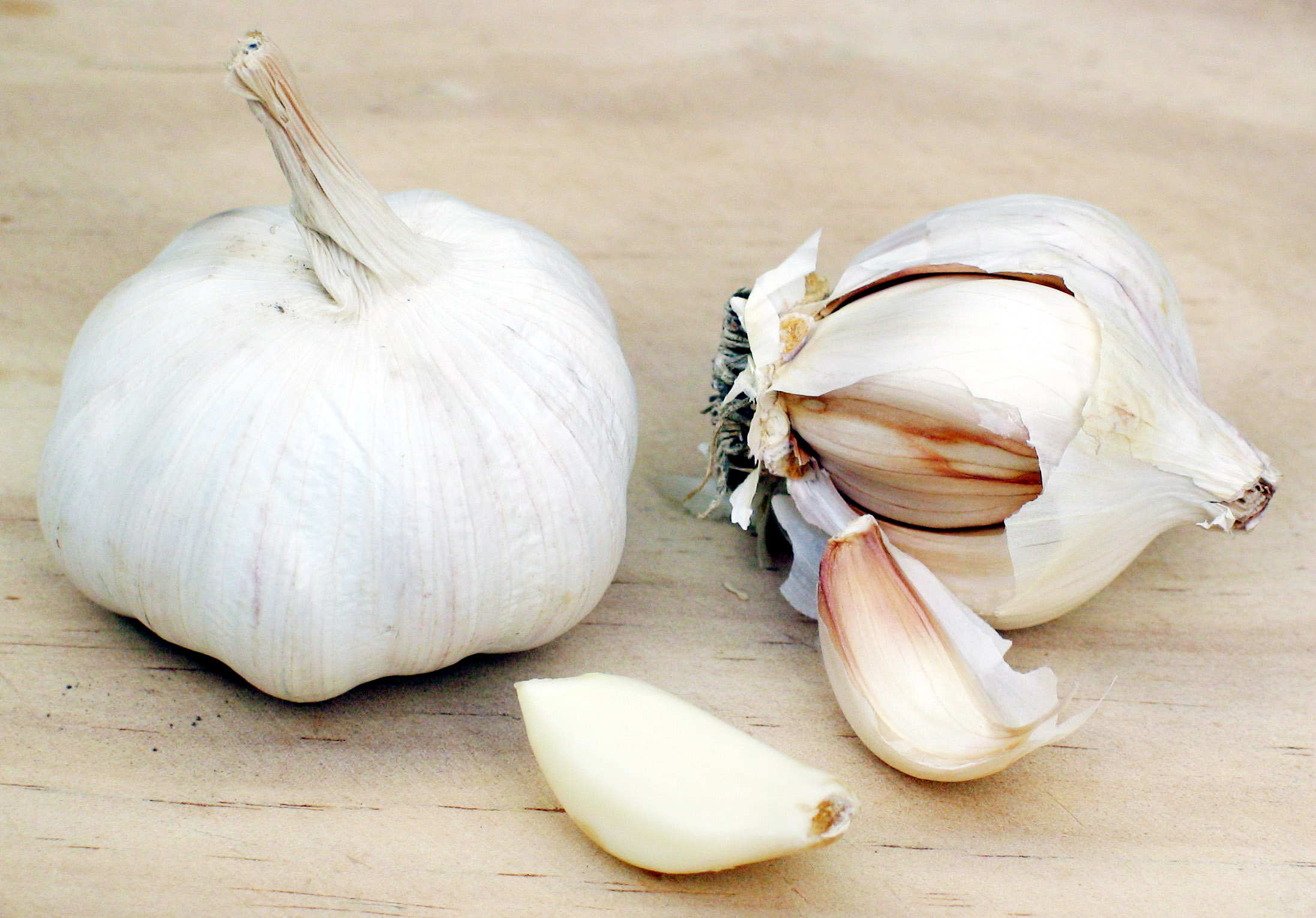 12-surprising-health-benefits-of-garlic