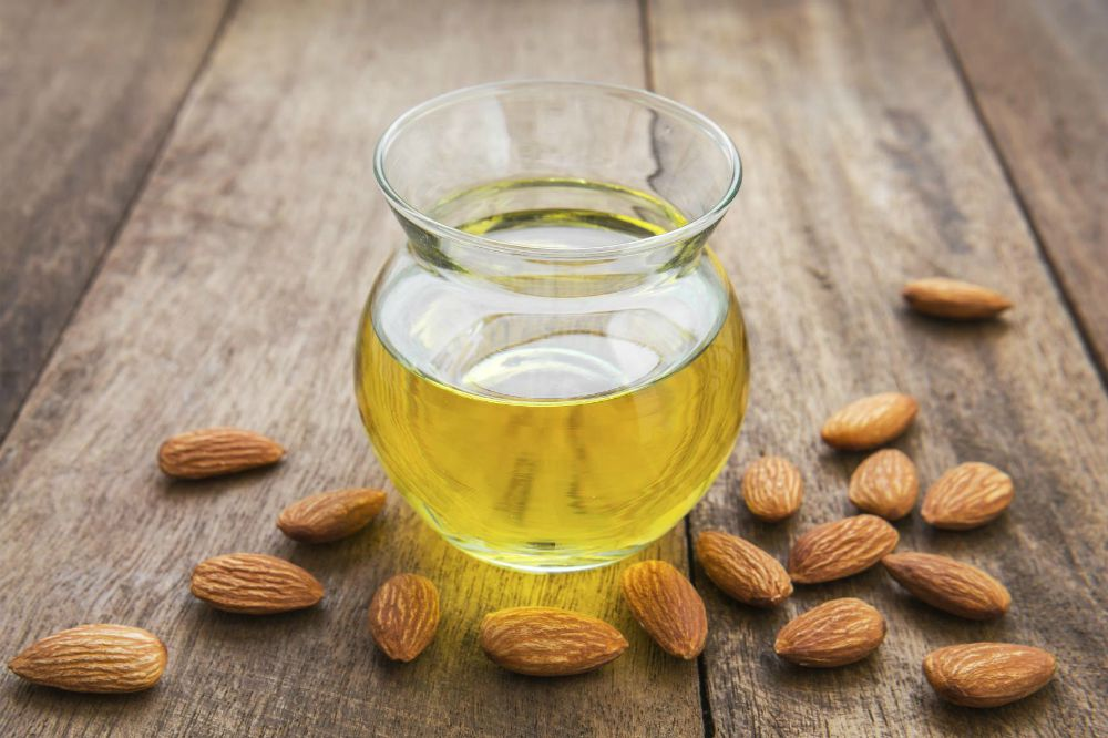 homemade-face-moisturizer-with-almond-oil